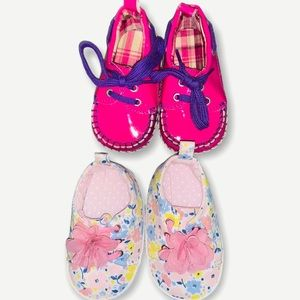 Infant baby girl 0-3 months size 3 slip on shoes